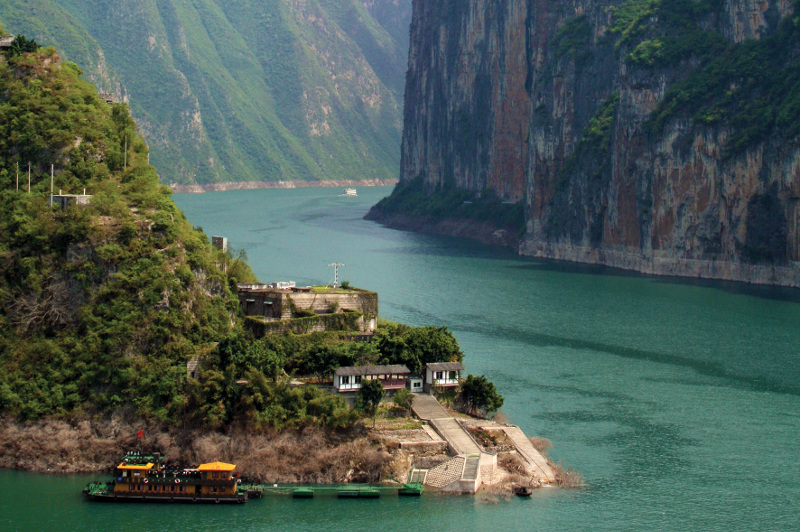 Cruising the Yangtze River with APT