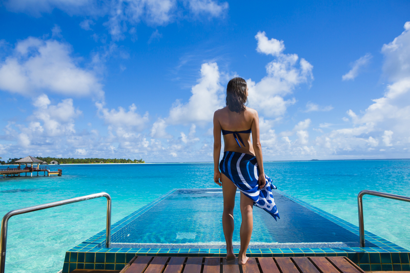 Infinity pool Maldives overwater bungalow