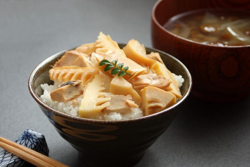 Takikomi gohan rice and bamboo