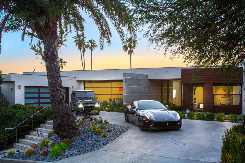 Black and White Car Rentals LA