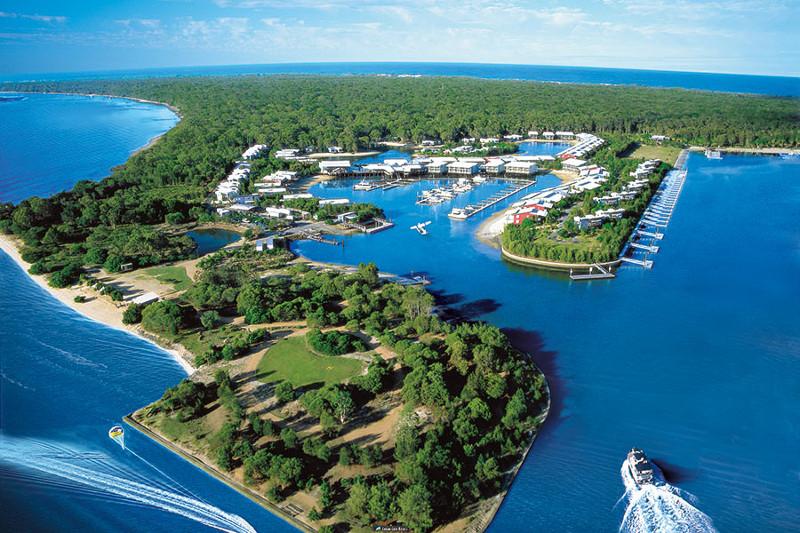 Couran Cove Resort Overwater bungalows