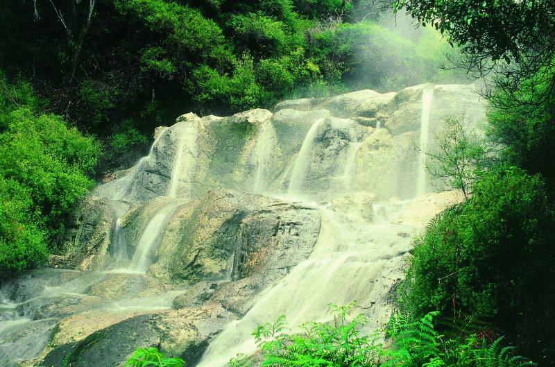 Hells Gate Hot Waterfall