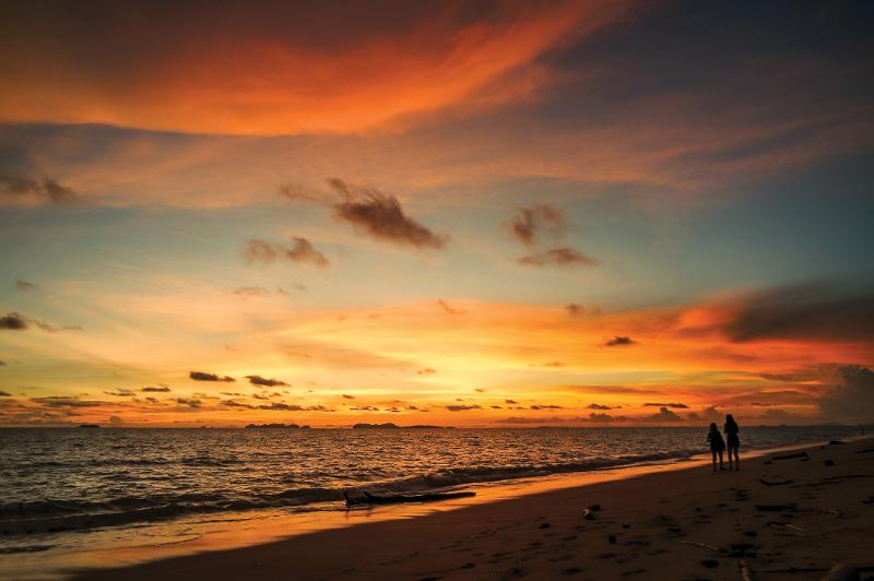 A glorious sunset on Koh Lanta's Long Beach