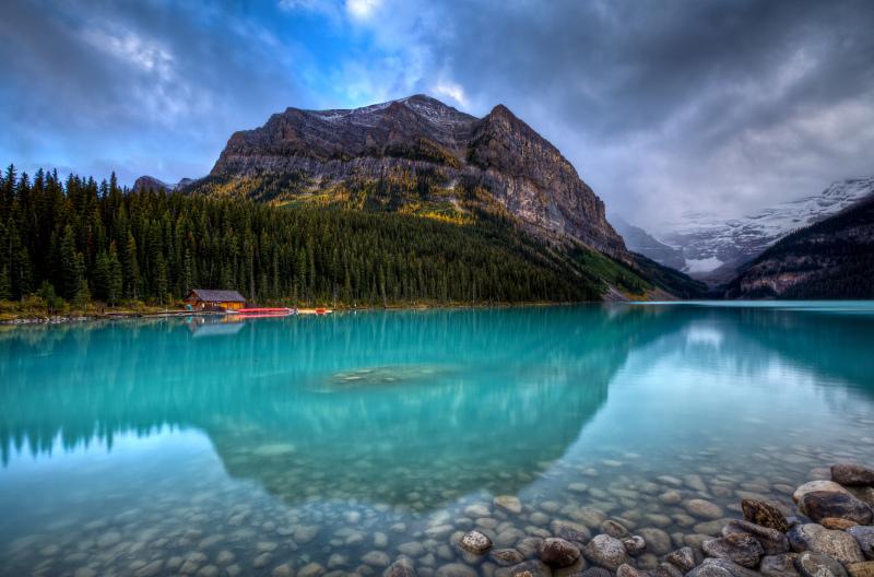 Lake Louise blue water