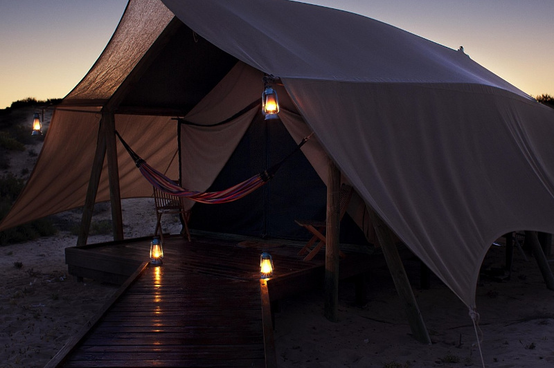 Sal Salis eco c& & On the Glamp: Australiau0027s Best Luxury Tent Stays | Travel Associates