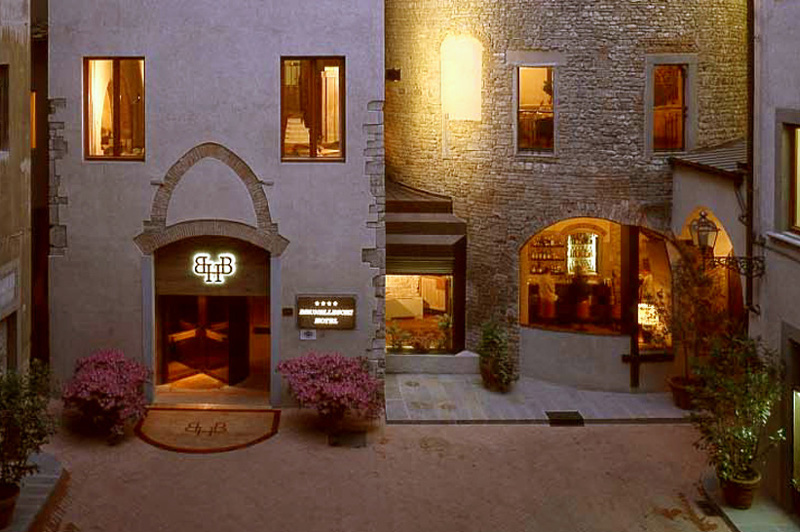Hotel Brunelleschi incorporates Florence's oldest building in it's accommodations
