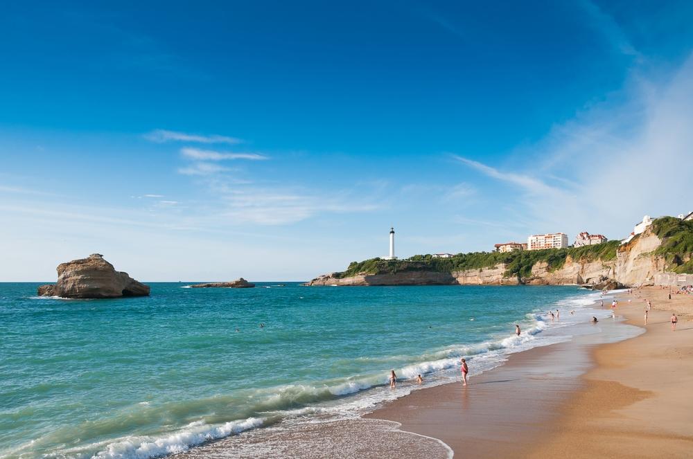 France_Biarritz beach_shutterstock_147641081