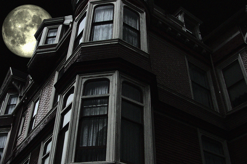 Hotels-With-Dark-History