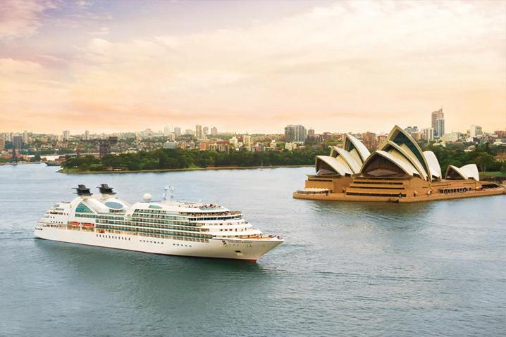 Seabourn Odyssey says hull-o to Sydney. Image: Seabourn