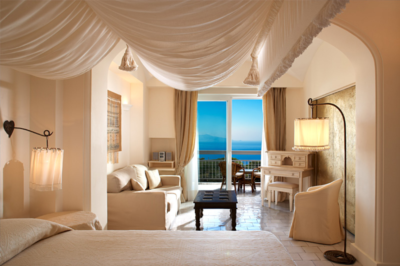 Deluxe Double sea side room at Capri Palace. Image: LHW