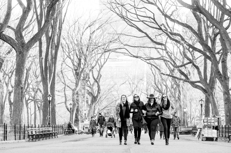 Work colleagues strolling Central Park. Image: Travelshoot