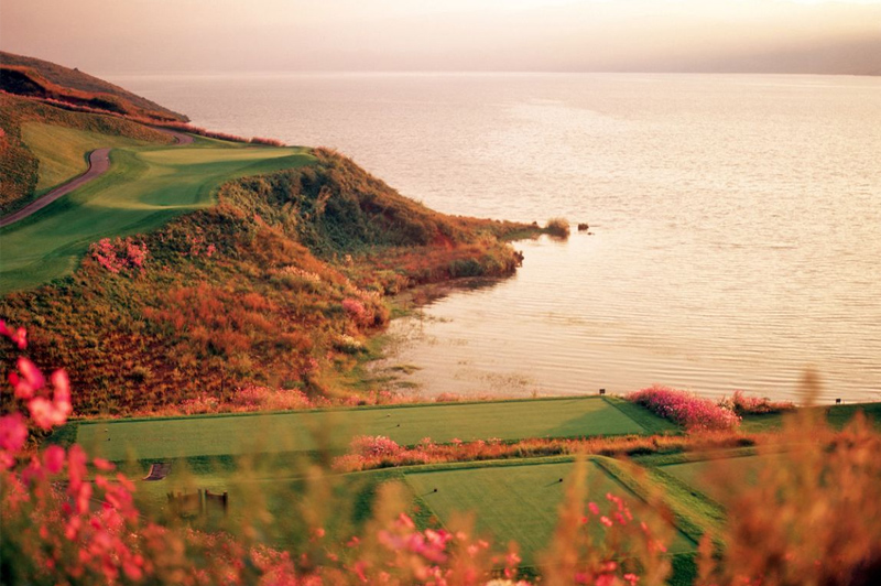 Hole 10 on the Lake Course. Image: Spring City Resort