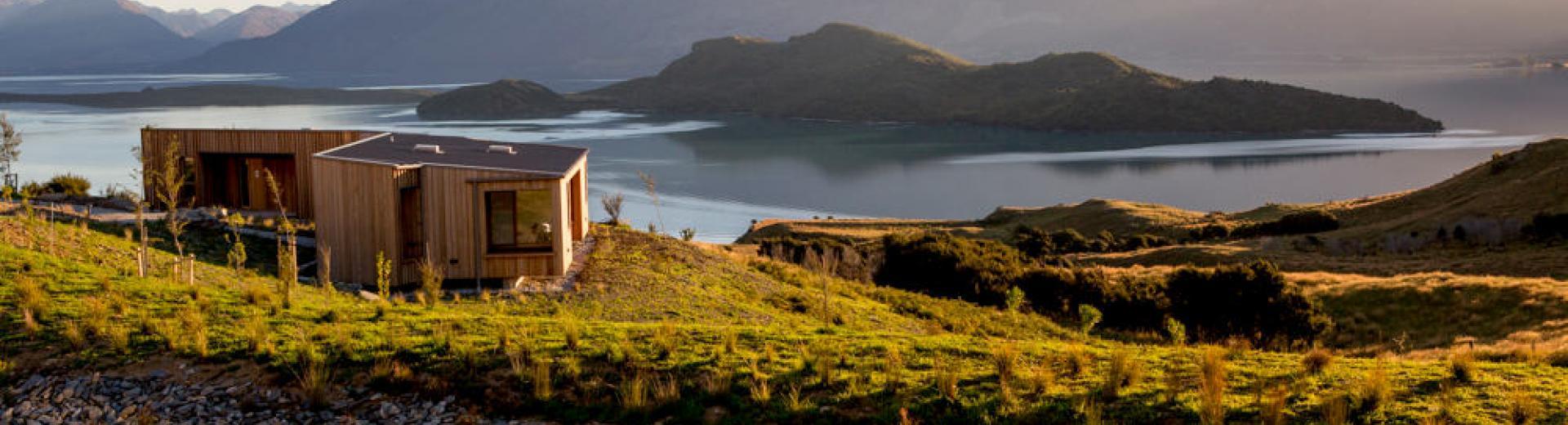 Luxury Cabin by the water - Queenstown New Zealand