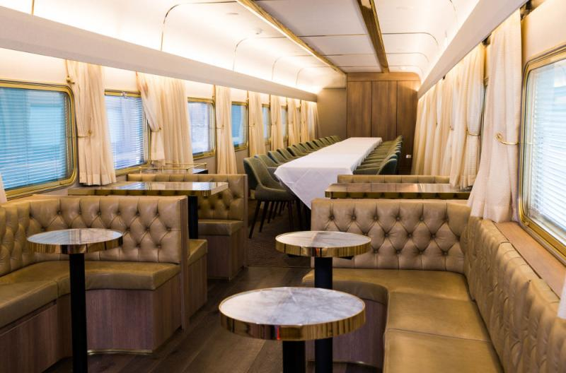 Dining carriage on the Ghan