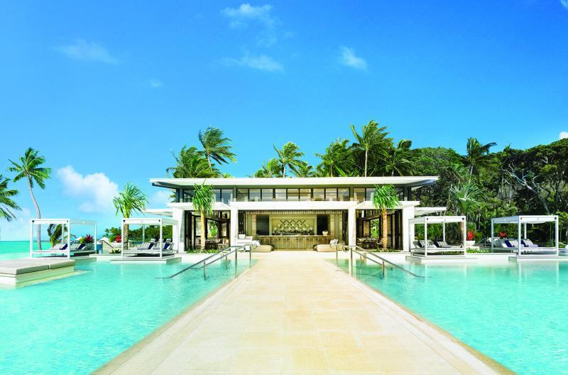 hayman island dining pool beach