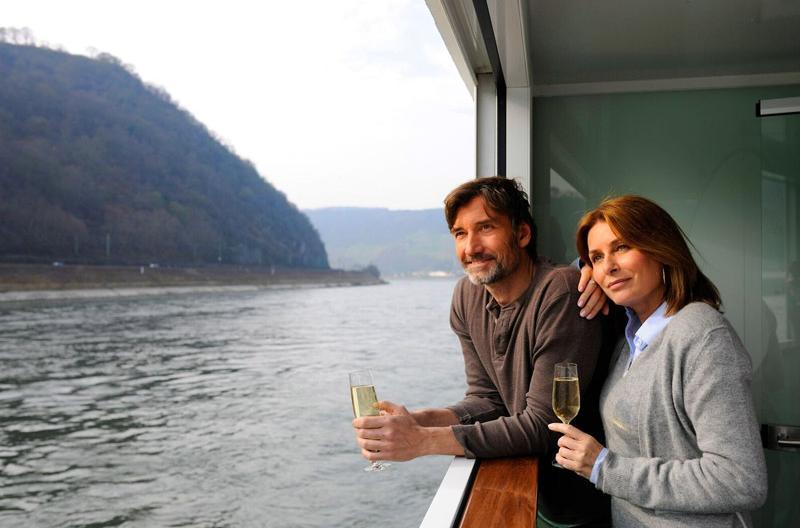 Scenic Space-Ships | Sun Lounge Cruise