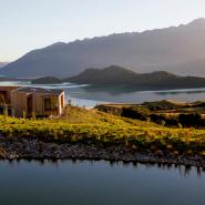 Luxury Cabin by the water - Queenstown New Zealand