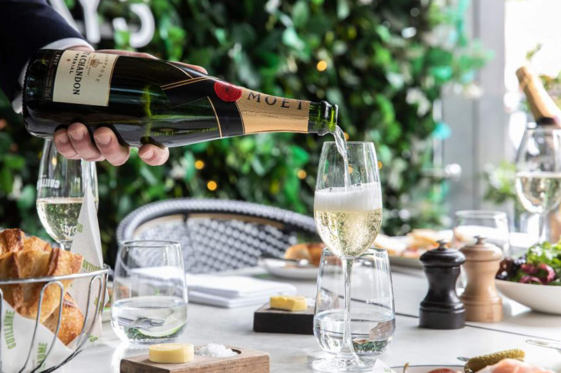 Bistro GuillaImage: Bistro Guillaume Champagne Sundaysume Champagne Sundays