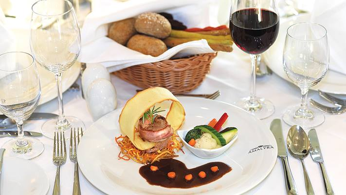 Enjoy gourmet flavours aboard your cruise ship everyday.