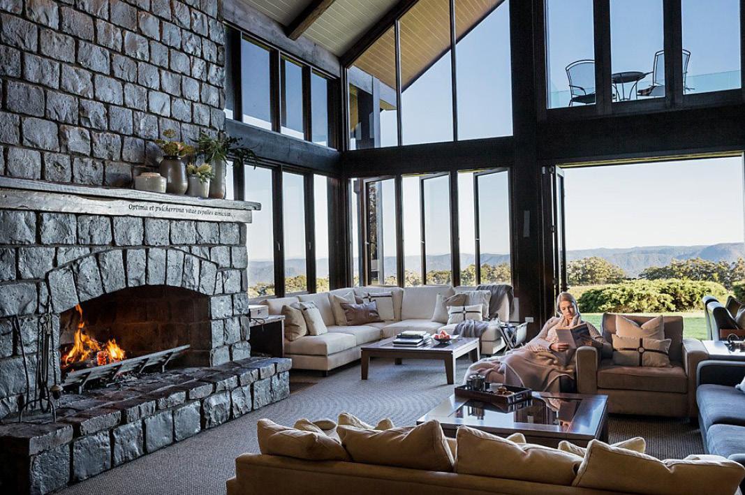 Spicers Peak Lodge    Interior