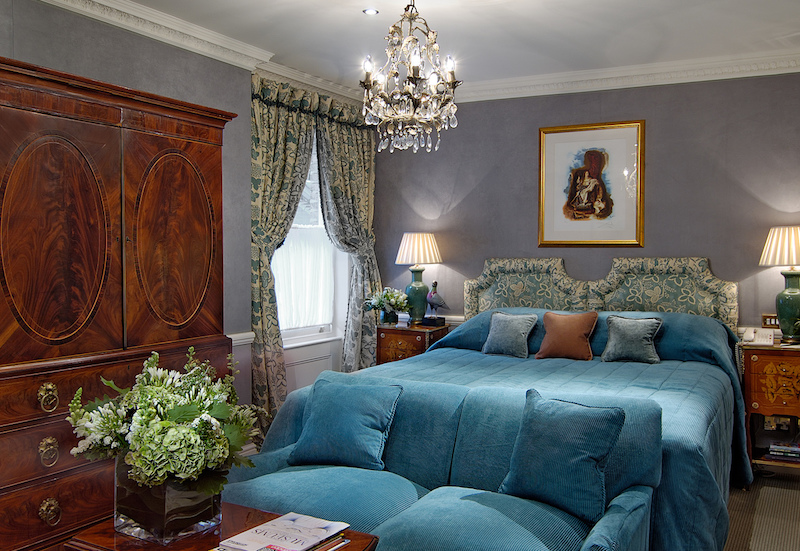 Deluxe King Suite in Egerton House London