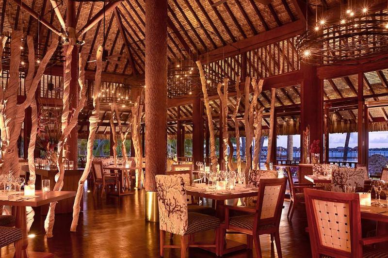 Four Seasons Bora Bora Restaurant