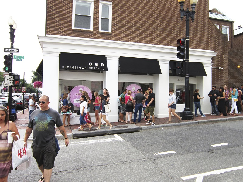 Queue outside Georgetown Cupcakes