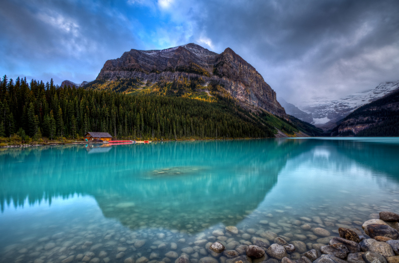 Lake Louise blue water