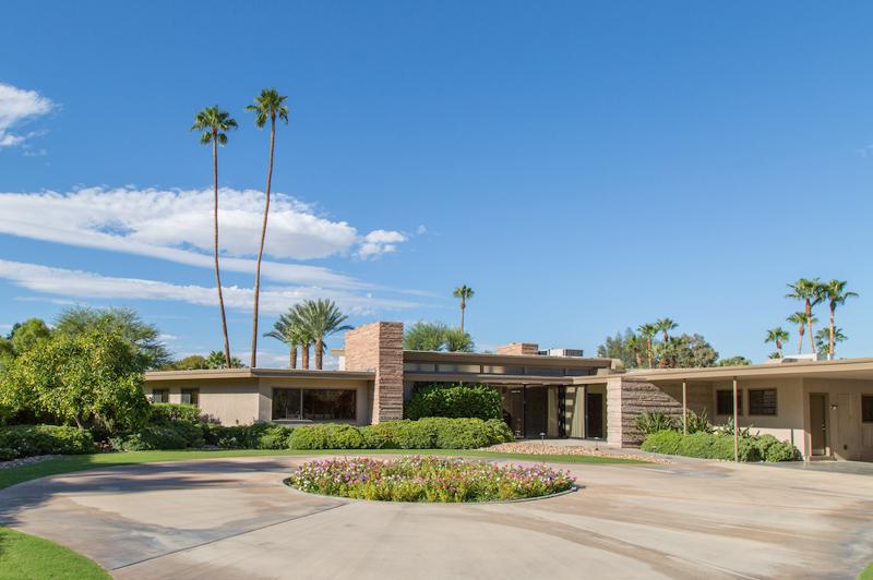 Frank Sinatra's Original Palm Springs Estate (image courtesy of SinatraHouse.com)