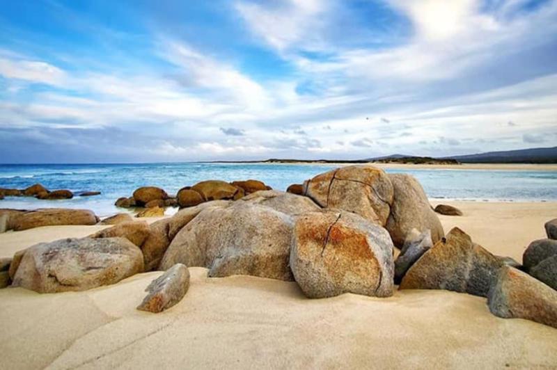 Flinders Island, Tasmania (image credit @tedvanderloo)