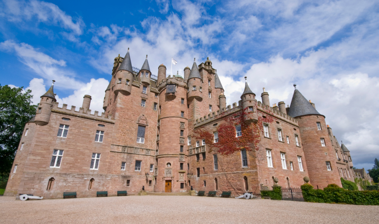 Search for the secret room of Glamis Castle, Scotland. Image: Getty.