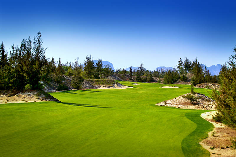 The 10th at Danang Golf Club showcases the scenery of Danang. Image: Danang Golf Club