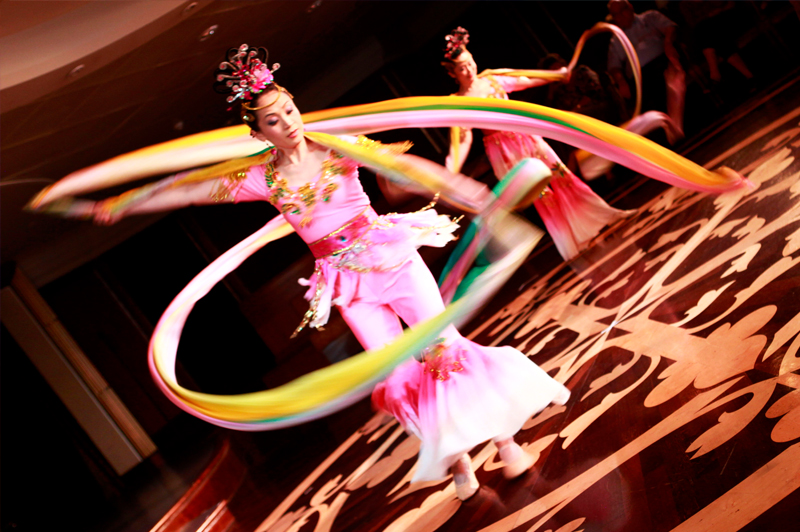 Local Hong Kong performers entertain guests onboard Azamara Quest.