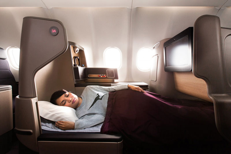qantas dreamliner bed
