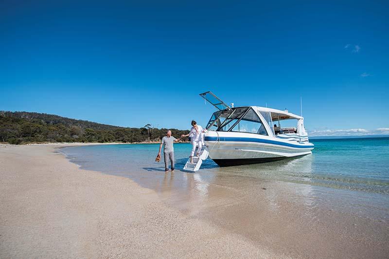 saffire freycinet boat