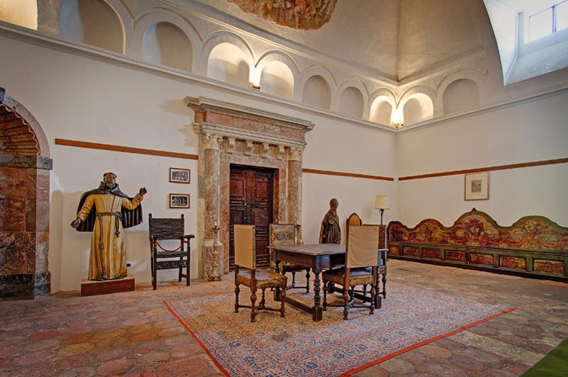 Historically furnished room in hotel San Domenico Palace