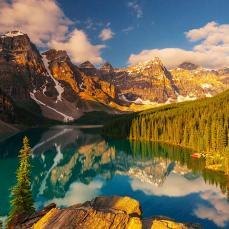 Moraine Lake Banff Canada