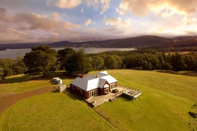 The Peninsula Experience, Tasmania
