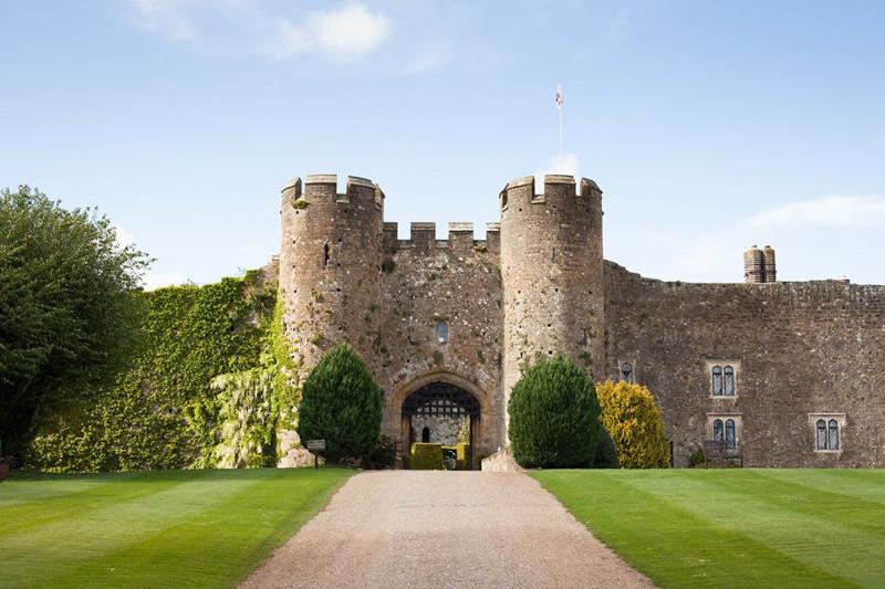 Amberley castle wall from outside