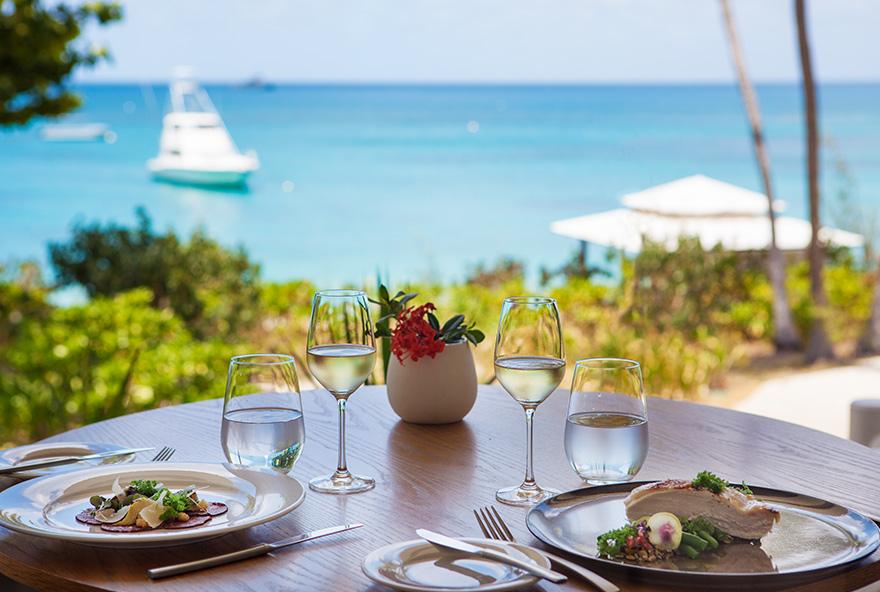 villa dining spotlight